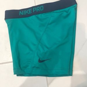 Nike Pro Dri-Fit Small short in Teal